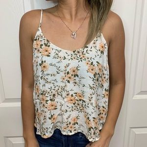 American Eagle: Floral Tank Top with Open Back